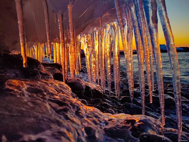 Patiently awaiting warmer times.  Ap-burr-il!! 🥶#copperharbor #lakesuperior #lakesuperiorsunsets #ice #april #keweenawpeninsula #upperpeninsula #michigan #bewell #takecare